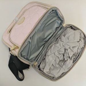 Betsey Johnson Bags - NWT BETSEY JOHNSON INSULATED LUNCH TOTE